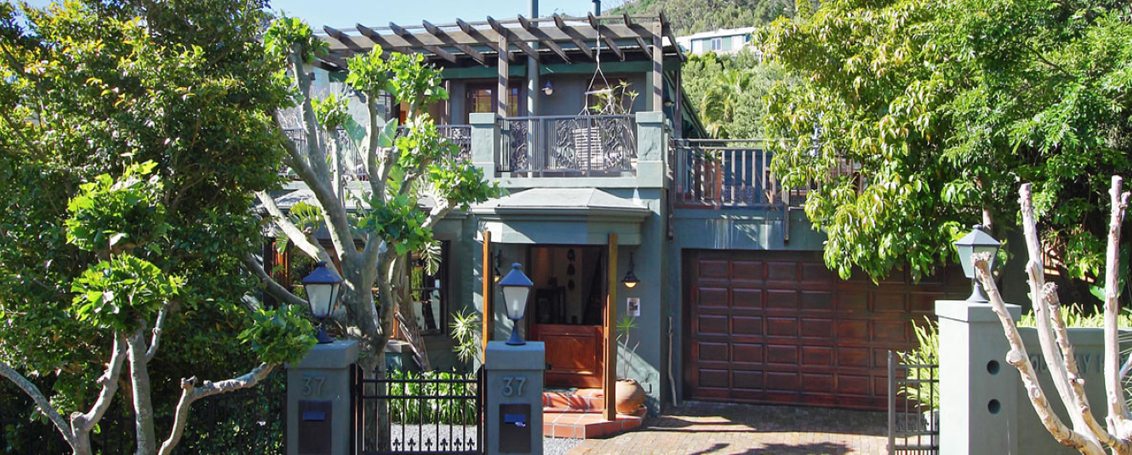 Guesthouse Entrance - The Hout Bay Hideaway