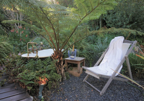Garden Victorian Bath - The Hout Bay Hideaway